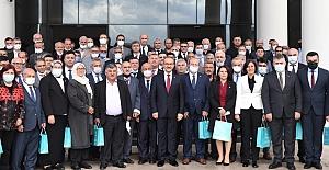 """Vali Seddar Yavuz """"Sevdamız; Türkiye, Türk Milleti ve Ay Yıldızlı Al Bayrağımızdır"""""""