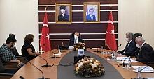 """VALİ YAVUZ """" HALK GÜNÜ """" TOPLANTISINDA SORUNLARI DİNLEDİ"""