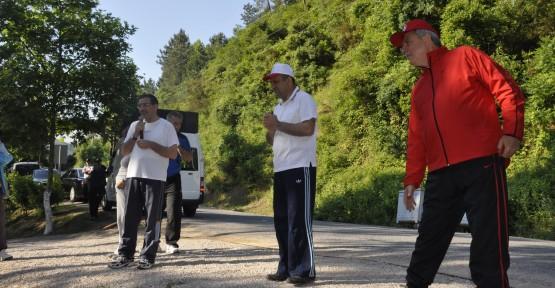 Vekiller Çınarlıdere'de sabah yürüyüşü yaptı