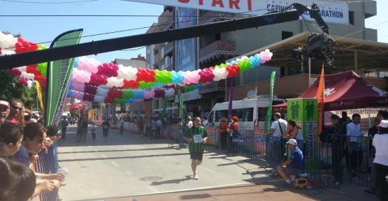 Zeytinoğlu ,yarı maraton koşusunu tamamladı