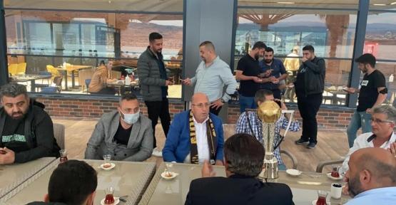 Başkan Koyun Taraftarla Nazende'de Buluştu