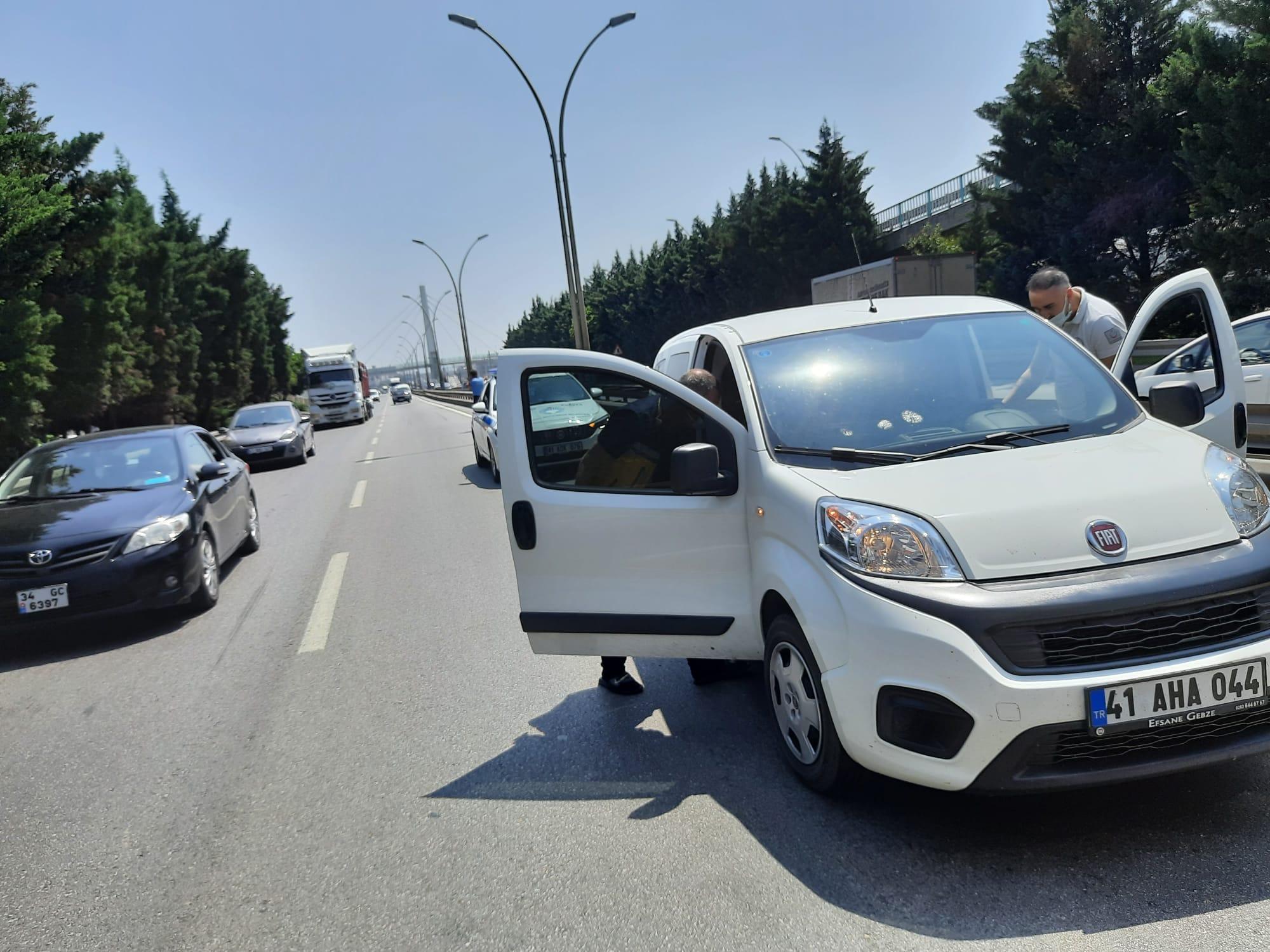 Rahatsızlanan Sürücüye İlk Müdahaleyi Büyükşehir Zabıta Yaptı